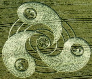 Crop Circle Yin Yang Grey Wethers, near Temple Farm, Wiltshire. Reported 14th July 2009